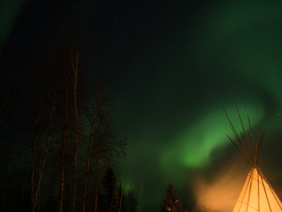 Northern Lights with Teepee [Image © r9t_ - Fotolia.com]